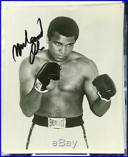 Lower Price-muhammad Ali Autographed Photo-promo 8x10 In Boxing Stance-bold Sig