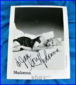 MADONNA SIGNED TRUTH OR DARE PROMO PHOTO 8x10'' Autograph
