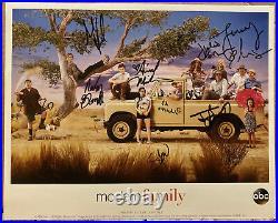Modern Family Cast Signed 8x10 Promo Photo BAS BECKETT AUTHENTICATED COA Auto