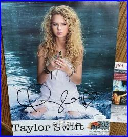 NICE Authentic Autographed Taylor Swift 8x10 Promo Photo JSA COA Big Machine