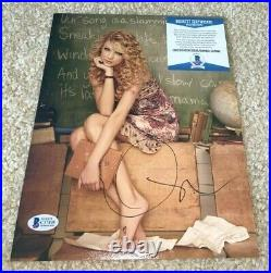 Taylor Swift Signed 8x10 Promo Photo Singer 1989 Red Folklore Reputation Bas