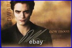 Twilight Robert Pattinson New Moon Signed 8 X 10 Promo Photo withCOA