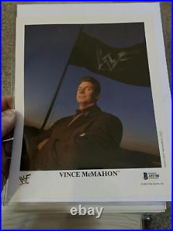 VINCE MCMAHON Signed Beckett 2001 WWE Official WWF Promo 8x10 #P-515 VERY RARE