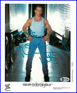 WWE SHAWN MICHAELS P-852 HAND SIGNED AUTOGRAPHED 8X10 PROMO PHOTO With BECKETT COA